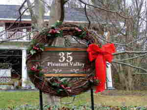 pleasant valley wreath